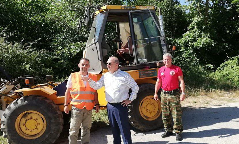 διανοίξεις δασικών-αγροτικών οδών και καθαρισμοί κοινόχρηστων χώρων Δήμου Διονύσου εικόνα
