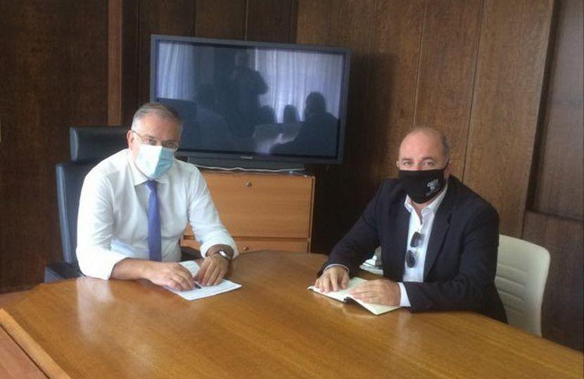 Δημάρχος Διονύσου Καλαφατέλη με τον Υπουργός Εσωτερικών εικόνα