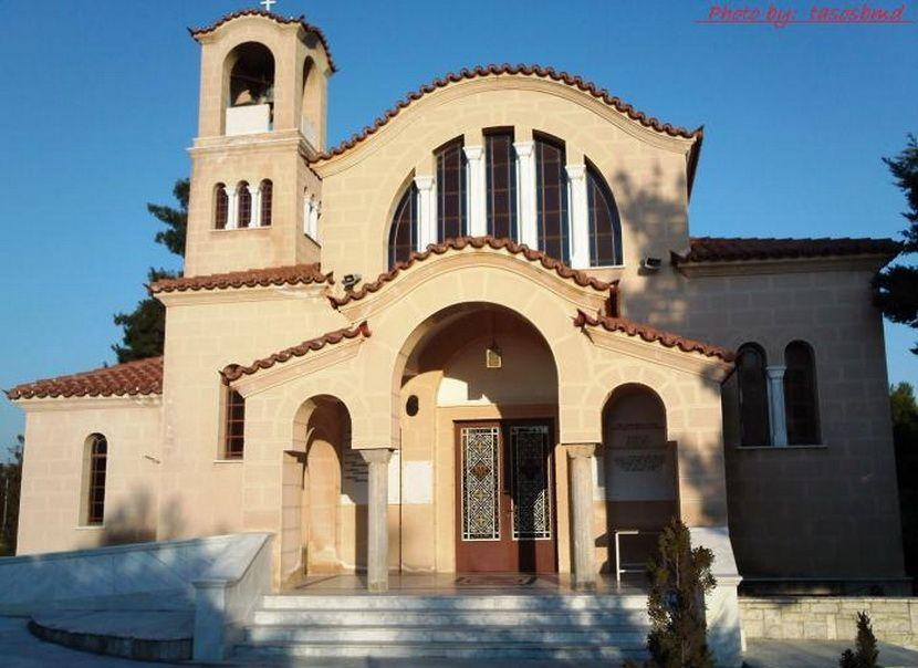 Ιερός Ναός Μεγαλομάρτυρα και Πολιούχου Δροσιάς εικόνα